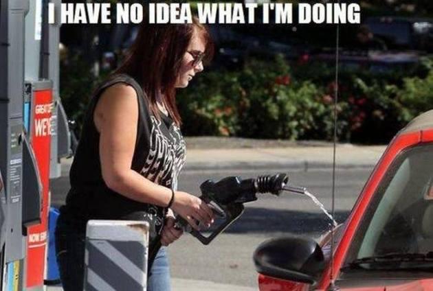 Нет, ты не можешь мыть машину бензином